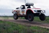 V8 Trophy Truck Driving - 6 Laps
